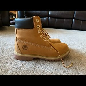 Ladies 6-Inch Timberland Boots (Waterproof)